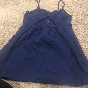 Iinen open back dress